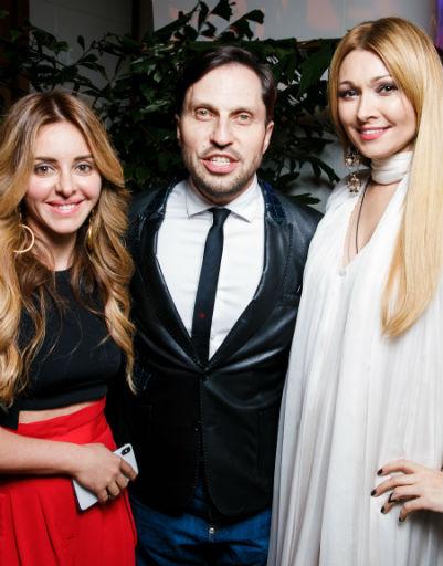 Александр Ревва с супругой и Анжелика Агурбаш