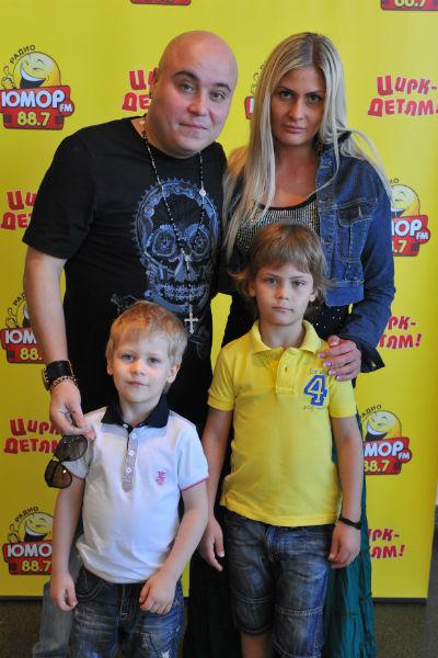 Доминик Джокер с семьей, которую он оставил ради новой пассии