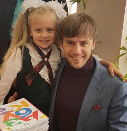 Иван Жидков с дочкой Машей