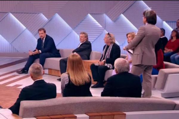 В студии обсудили смерть Вороненкова и поведение Максаковой
