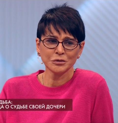 Ирина Хакамада поведала оборьбе сраком удочери ссиндромом Дауна