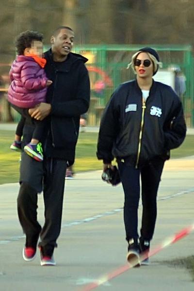 Бейонсе с мужем Джей Зи и дочерью Блу Айви