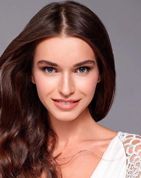 Анна Дурицкая завоевала титул третьей вице-мисс на конкурсе красоты