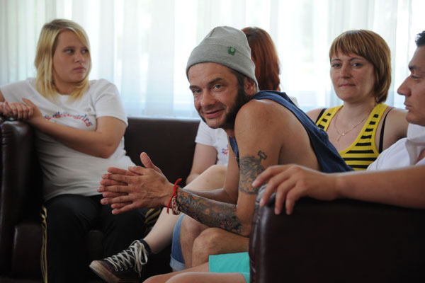 Сергей не хочет возвращаться домой, пока не заработает на свадьбу и новое жилье. Фото – июнь 2014 года