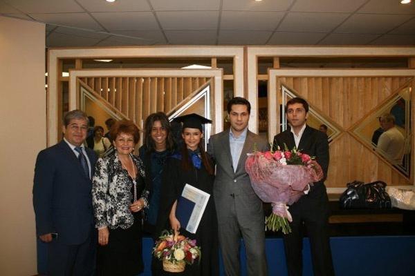 Мирослава Дума и Алексей Михеев (справа от нее)