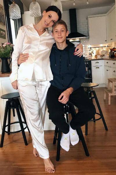 Сыну актрисы в октябре исполнится 14 лет