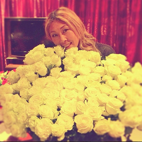 Анита Цой и 101 белая роза