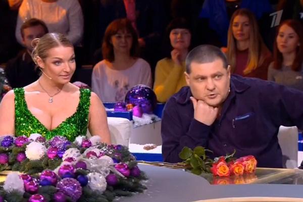 Николай, похоже, обомлел от звездного знакомства