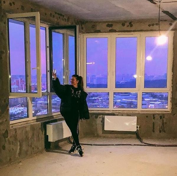 Анна Седокова в новой квартире