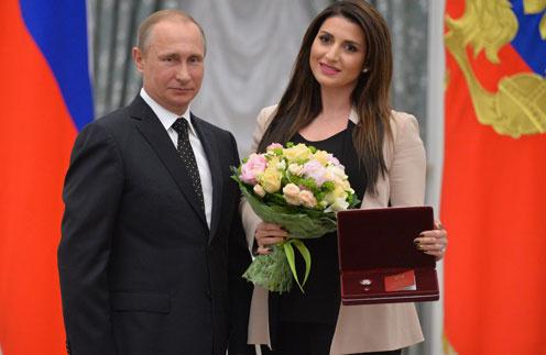 Жасмин пригласили в Кремль за неделю до приема