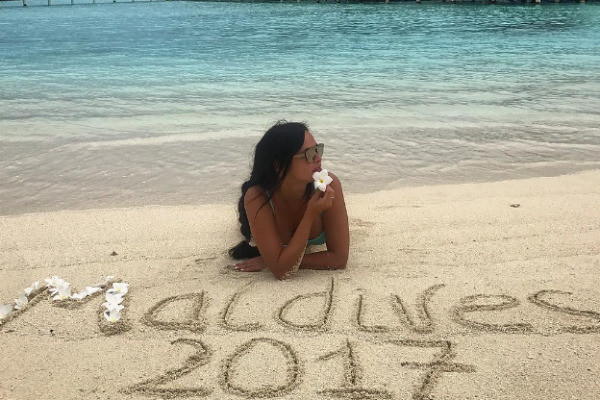 Влюбленные сыграли свадьбу на Мальдивах