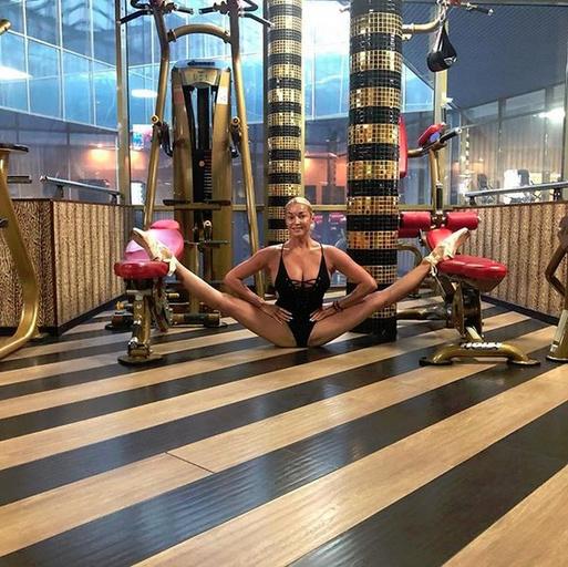Анастасия Волочкова в тренажерном зале