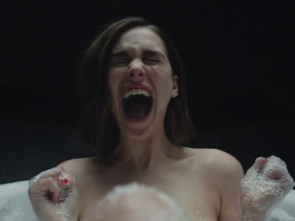 Софья Синицына увидела в ванной постороннего человека