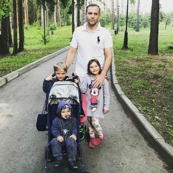 «Я многодетный мужчина мечты», – шутит Алексей