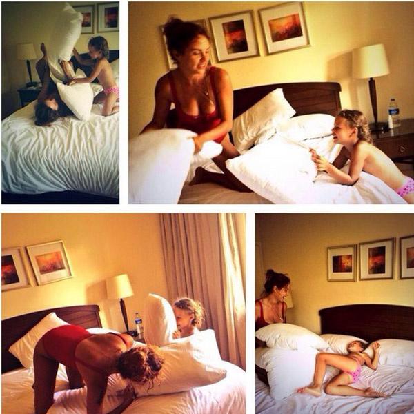 Сначала Марина с дочерью бились на подушках...