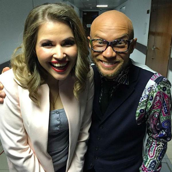 Юлия с одним из ведущих шоу Дмитрием Хрусталевым