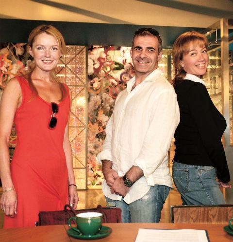 Здесь Лариса Вербицкая, Петр Марченко и Арина Шарапова на праздновании 20-летия программы, но и спустя 10 лет они мало изменились