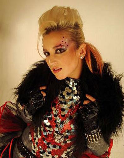 Ольга всегда любила эксперименты с макияжем.