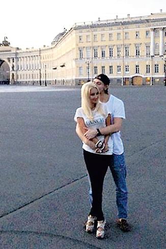 Одна из первых фотографий Леры и Игоря в Санкт-Петербурге