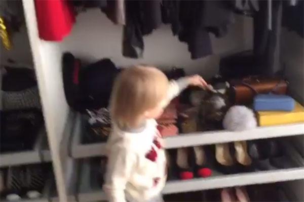 Саша Плющенко посоветовал маме выбрать эту сумочку от Chanel