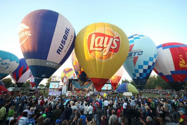 Управлению воздушным шаром необходимо обучаться довольно долго