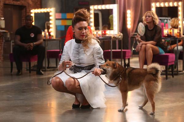 Олеся Яппарова со своим поющим псом Лучи