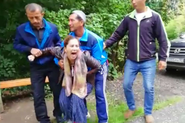 Родители улетели в Таджикистан, чтобы там похоронить ребенка