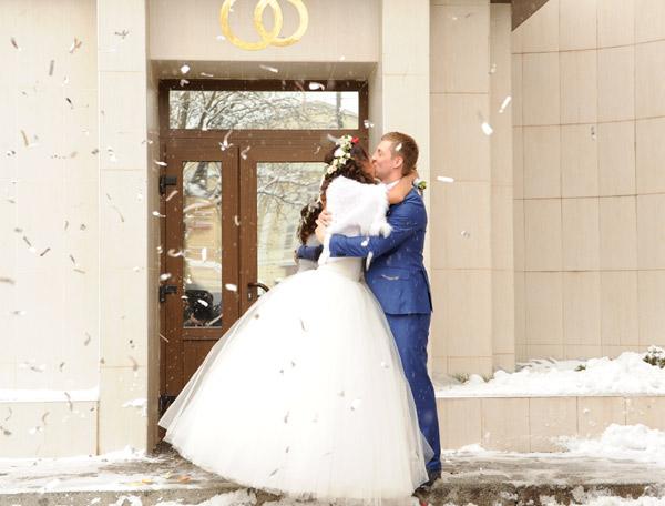 Первый супружеский поцелуй