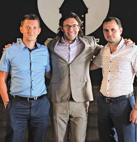 Я с Павлом Тапашиди (справа) и с его коллегой Александром Олещенко (слева)