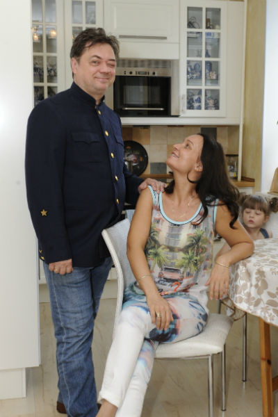Андрей Леонов с женой Анастасией
