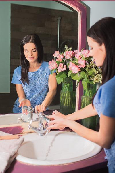 Анна оформила ванную комнату в розовых тонах