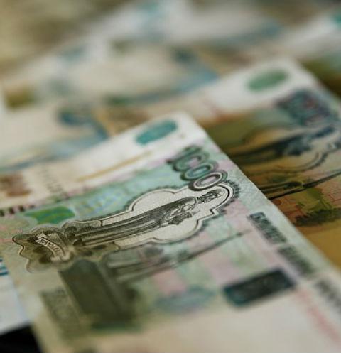 Юные богачи устроили раздачу денег в Санкт-Петербурге