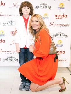 Анжелика Агурбаш с сыном Анастасом
