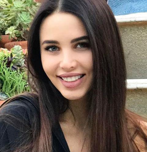 Модель Анастасия Решетова призналась в приступах булимии