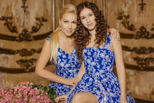 Справиться с волнением Дине помогла ее мама Екатерина Одинцова