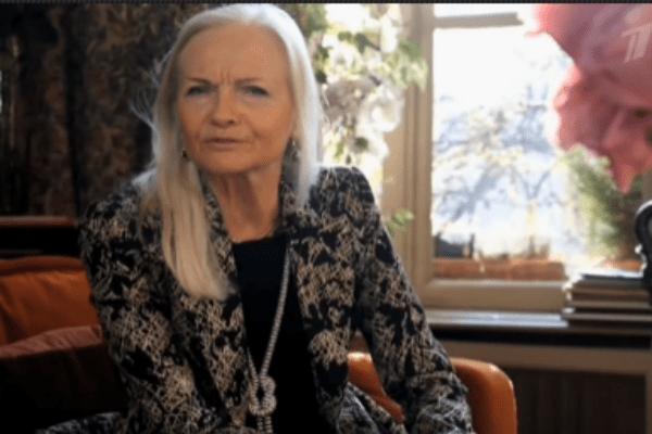 Галина пообщалась с гостями студии через телемост