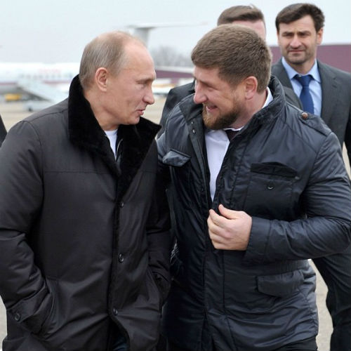 Кроме семейных снимков Кадыров выкладывает и фото, сделанные во время работы. Глава Чеченской Республики с президентом России Владимиром Путиным