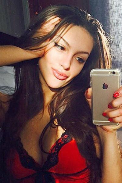 Ранее Оксана была активным пользователем социальных сетей