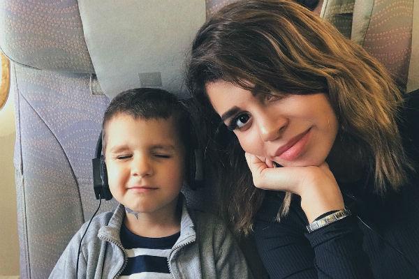 Алиана старается обеспечить сыну лучшую жизнь