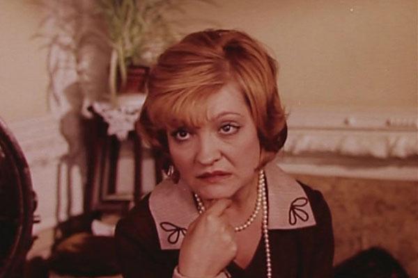 Раиса Мухаметшина в комедии «Долой коммерцию на любовном фронте, или Услуги по взаимности», 1988 год