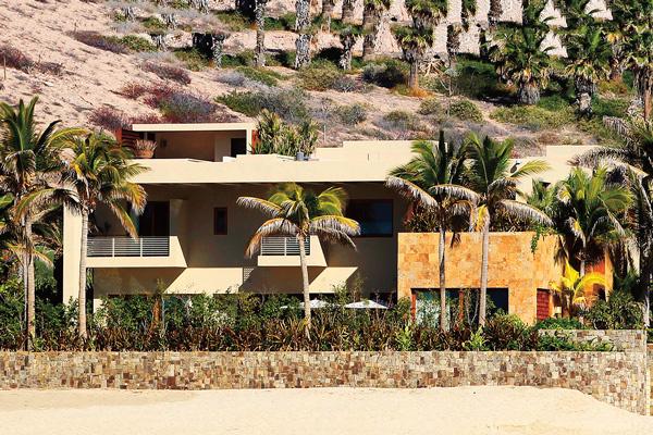 Чтобы жить в особняке Джорджа Клуни, неизвестный покупатель заплатил 100 миллионов долларов
