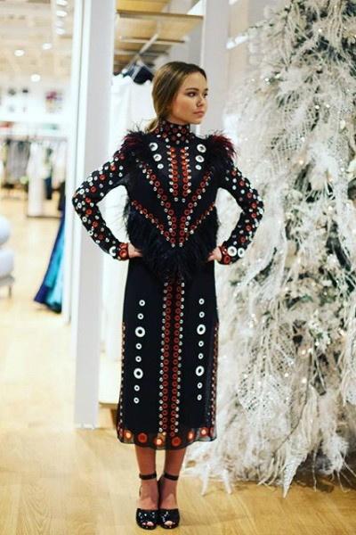 Два года назад Стеше приглянулось платье, которое стоит 820 тысяч рублей