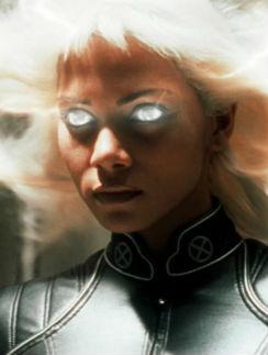 Актриса в образе Шторм, кадр из фильма