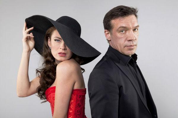 Оксана Скакун и Олег Чернов играют в спектакле «Ты мое солнышко»