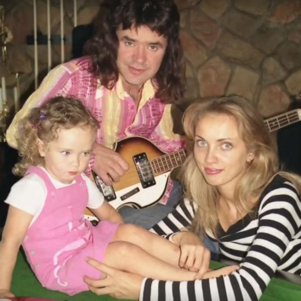 В 90-е годы семья Осиных была неразлучна
