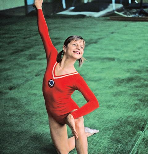 Чудо с косичками – так прозвали гимнастку на Олимпиаде в 1972 году. На момент выступления ее рост был 152 см, а вес – 39 кг