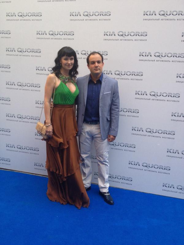 Нонна Гришаева приехала в Сочи с мужем Алексеем Нестеровым