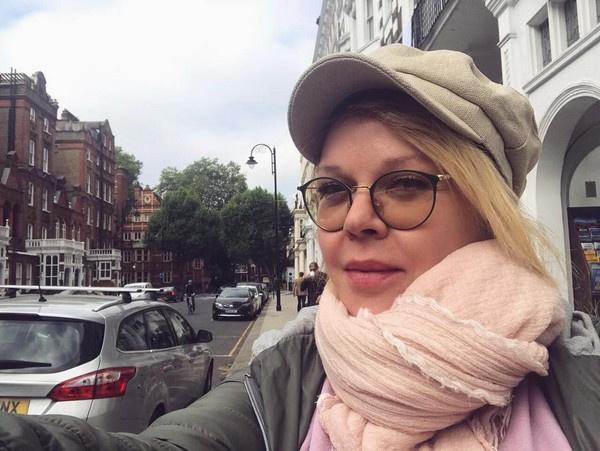 Елена Валюшкина счастлива в новых отношениях, но лицо избранника предпочитает не показывать