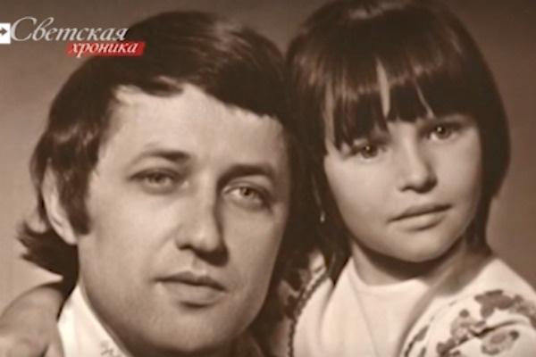 Маленькая Анастасия Волочкова с отцом