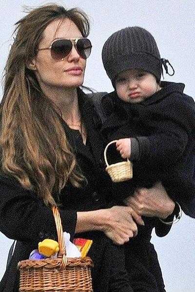 Анджелина не делит детей на своих и приемных